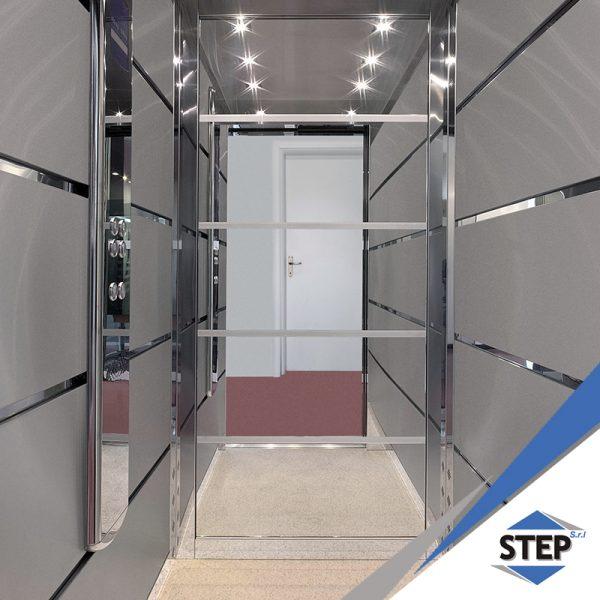 Piattaforma elevatrice a movimento verticale italia